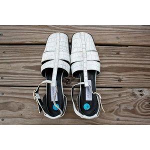 Liz Claiborne | Vintage 90's White Heels